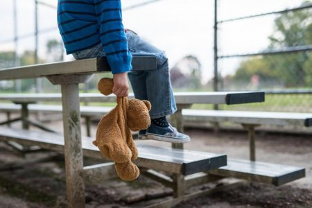 إساءة معاملة الأطفال