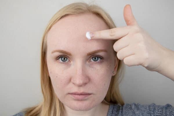 كيف اعرف نوع بشرتي بدقة وكيف أعتني بها